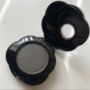Too Faced Intense Eyeshadow: Petals to the Metal